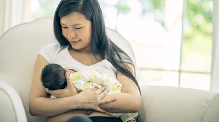 Exclusive Breastfeeding for Healthy Babies